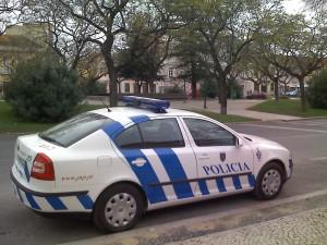 Accidente policía en Madrid, la autoridad no te deja exento de un siniestro