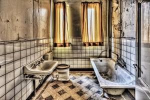 Pensando en cambiar bañera por ducha: Conoce qué es mejor para el hogar