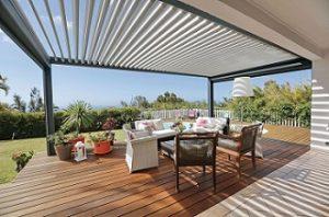 Instala unas pérgolas bioclimáticas en tu jardín y disfruta un ambiente confortable
